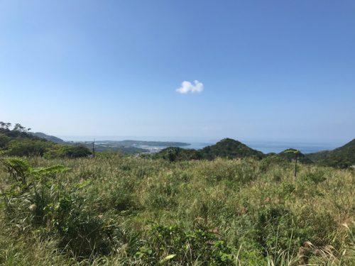 瀬底島を一望できる高台の大型土地!
