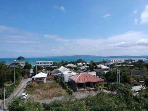 海まで徒歩2分♪古宇利島へのアクセスも良いお手頃価格の住宅用地