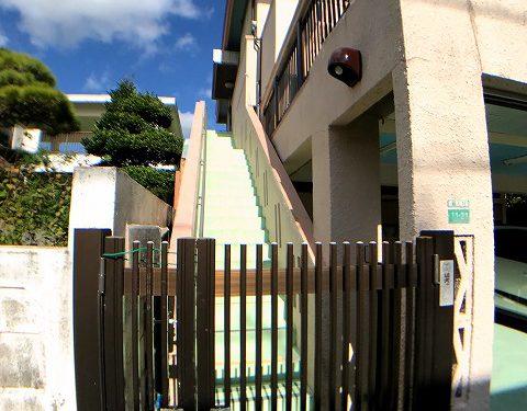 住居二階部分専用玄関