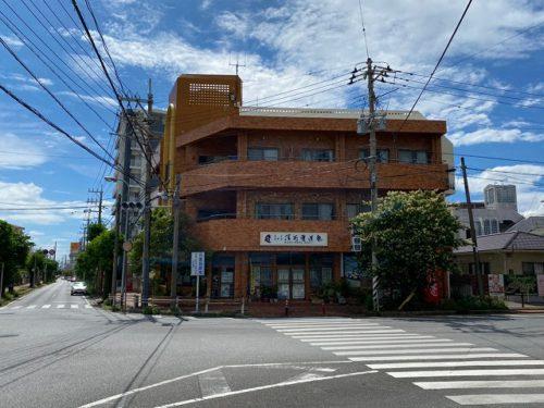 名護市東江の店舗付賃貸アパート1棟!